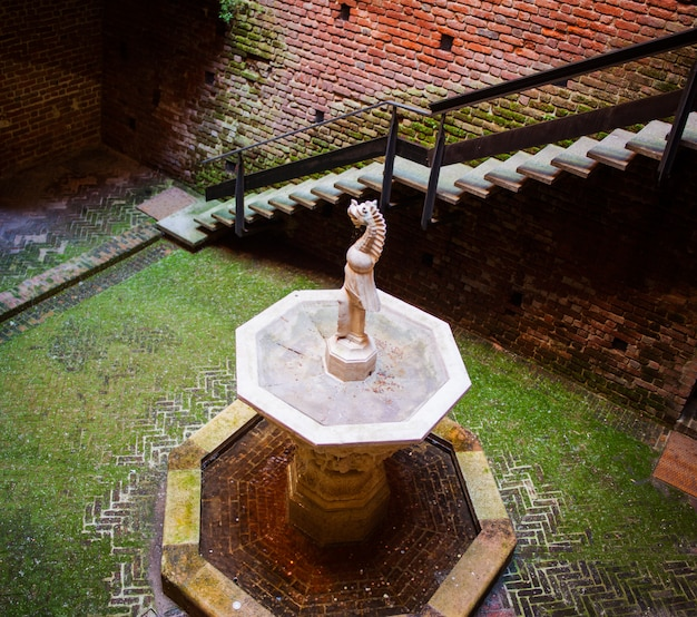 Fontein, sforzesco-kasteel, milaan