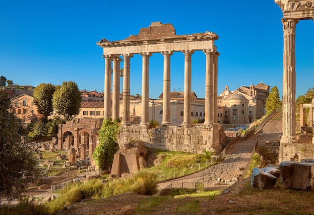 Forum romanum, ook wel bekend als forum van caesar, in rome, italië