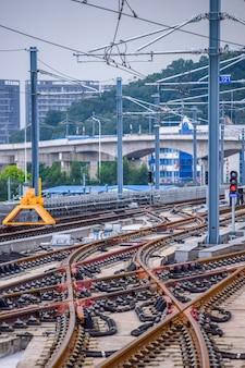 Foshan, china 18,2021 augustus. nanhai tramlijn 1, het nieuwe tramsysteem in nanhai district, foshan city. dit is een nieuw verkeerssysteem, start op 18 augustus 2021