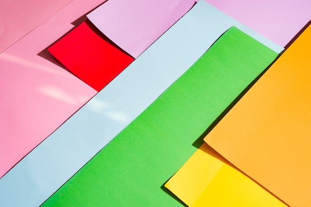 Foto die van multicolored achtergrond is ontsproten