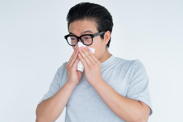 Foto van aziatische man met sinusitis