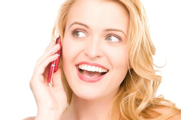 Foto van gelukkige vrouw met mobiele telefoon