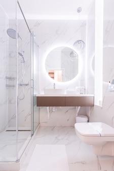 Foto van het interieur, hal in een mooi appartement
