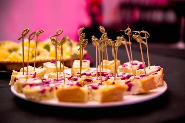 Foto van taart als dessert op een feestje