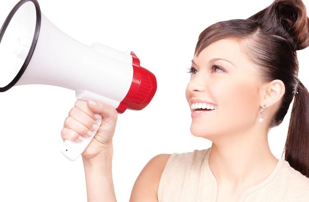 Foto van vrouw met megafoon over wit