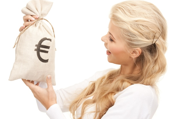 Foto van vrouw met tas met eurosignatuur