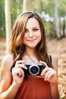 Fotograaf camera camping trip activity concept