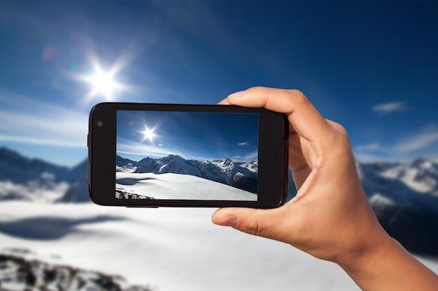 Fotograferen op smartphone tijdens toeristische reis