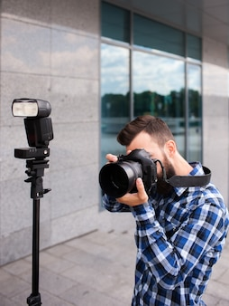 Fotografie apparatuur camera flitser. backstage fotograaf