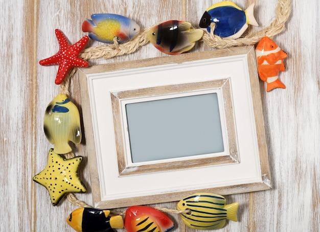 Fotolijst met decoratieve vissen