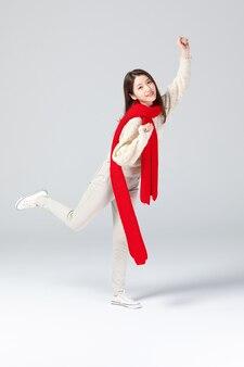 Fotoshoot van de uitdrukking van de jonge aziatische vrouw