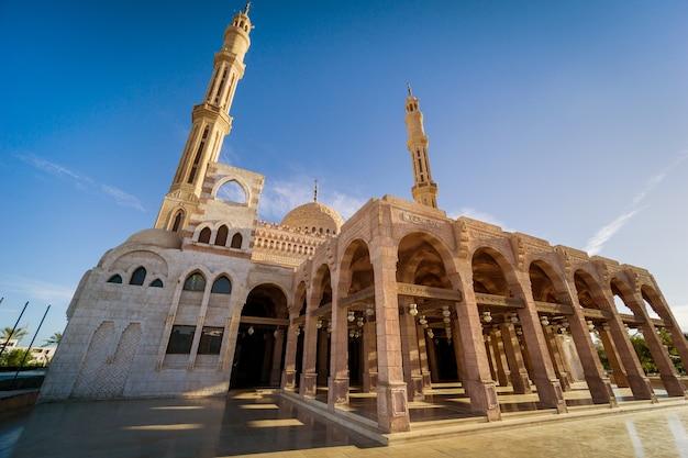 Fragmenteer details van de grote moskee islamitische religie