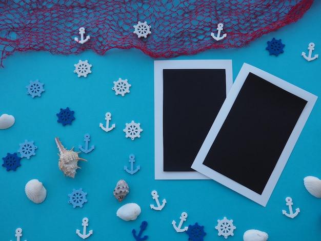 Frame gemaakt van touw met visnet en een anker. zomertijd zee vakantie concept
