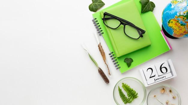 Frame met educatieve items van bovenaanzicht