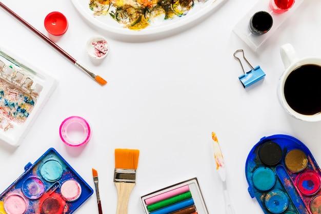 Frame met kunstenaarstools