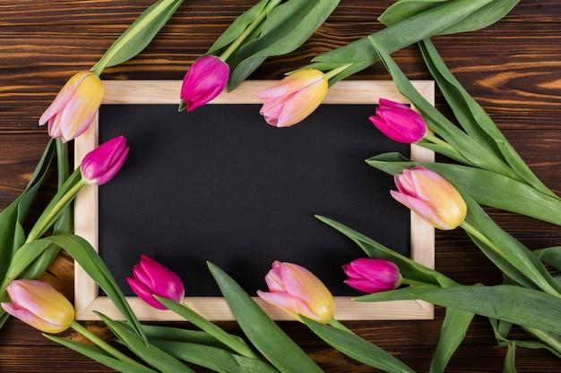 Frame schoolbord rond tulpen