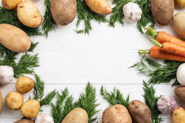 Frame van aardappelen en wortel