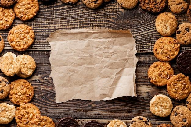 Frame van heerlijke koekjes plat leggen