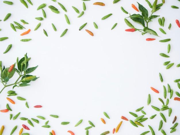 Frame van hete chili groen en rood.