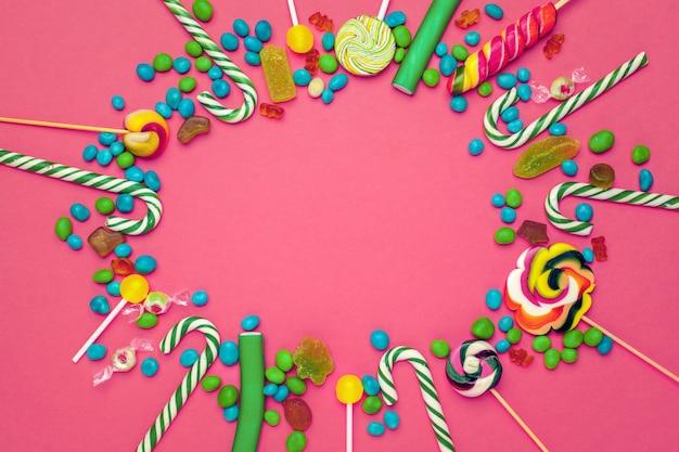 Frame van kleurrijk helder geassorteerd suikergoed
