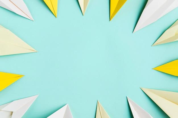 Frame van papieren vliegtuigen