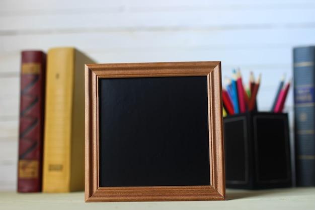 Frame voor tekstboeken en horloge