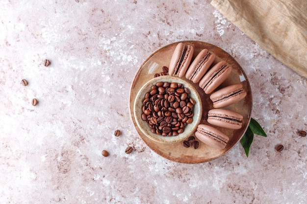 Franse bitterkoekjes met koffiebonen.