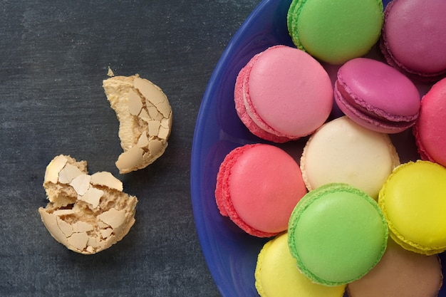 Franse bitterkoekjes parijse dessert zoet voedsel close-up