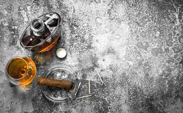 Franse cognac met een sigaar
