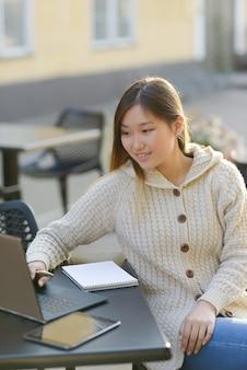 Freelancer buitenshuis werken