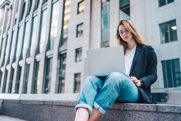 Freelancer in het zakencentrum