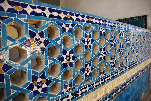 Fresco's op moskee in yazd, iran