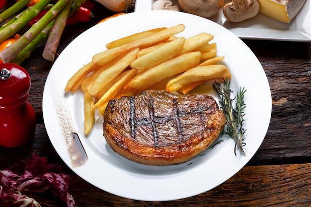 Friet met braziliaanse picanha steak