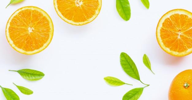 Fris oranje met bladeren