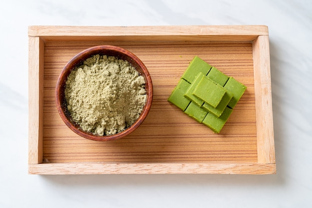 Frisse en zachte matcha groene thee chocolade met matcha groene theepoeder
