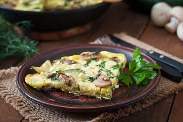 Frittata met champignons, courgette en kaas