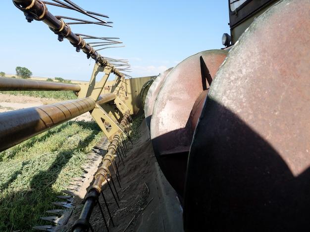 Frontmechanisme van de oogstmachine voor het oogsten.