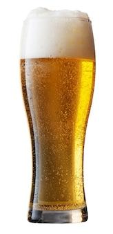 Frosty glas licht bier geïsoleerd