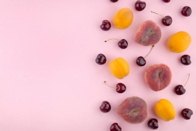 Fruit achtergrond mix plat leggen. bovenaanzicht, kopie ruimte.