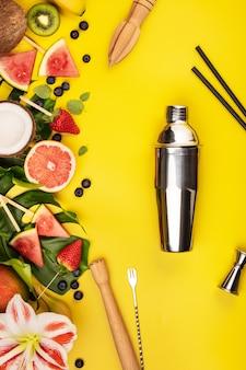 Fruit, bessen, tropische planten en bar-apparatuur