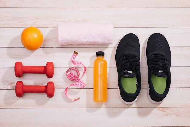 Fruit voor gewichtsverlies, een meetlint, dieet, gewichtsverlies, gezond eten, gezond levensstijlconcept