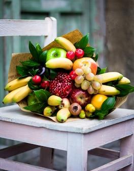 Fruitboeket met diverse soorten fruit