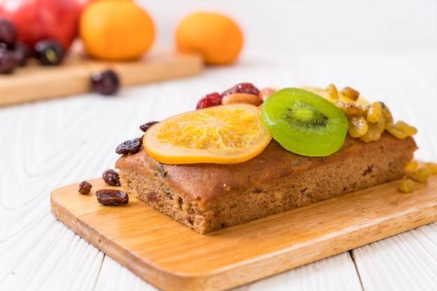 Fruitcake op hout