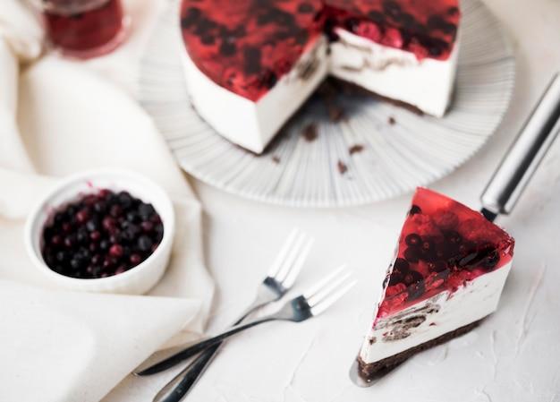 Fruitige cakeplak hoge hoek
