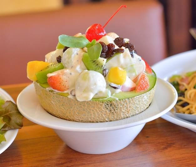 Fruitsalade in meloen