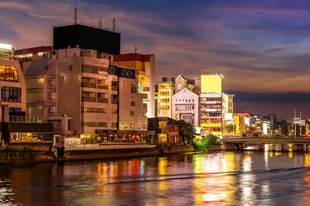 Fukuoka naka river zonsondergang yatai eten kraam