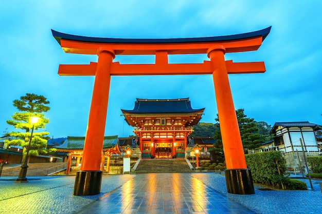 Fushimi inari-schrijn in kyoto, japan