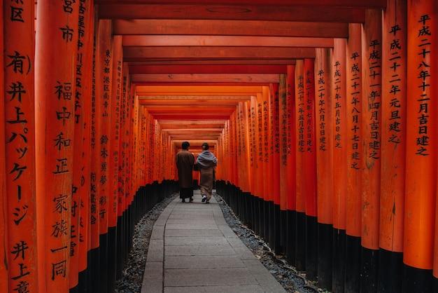 Fushimi inari-schrijn in kyoto