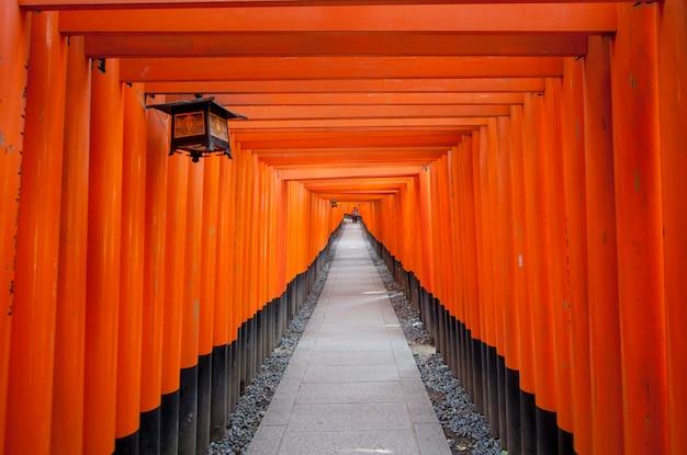Fushimi inari taisha-schrijn in kyoto