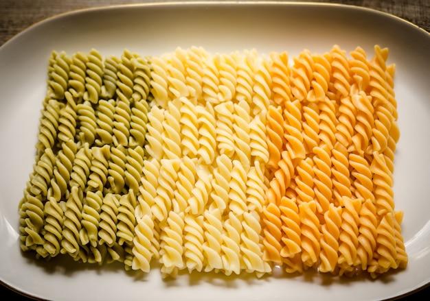 Fusilli pasta italiaanse vlag